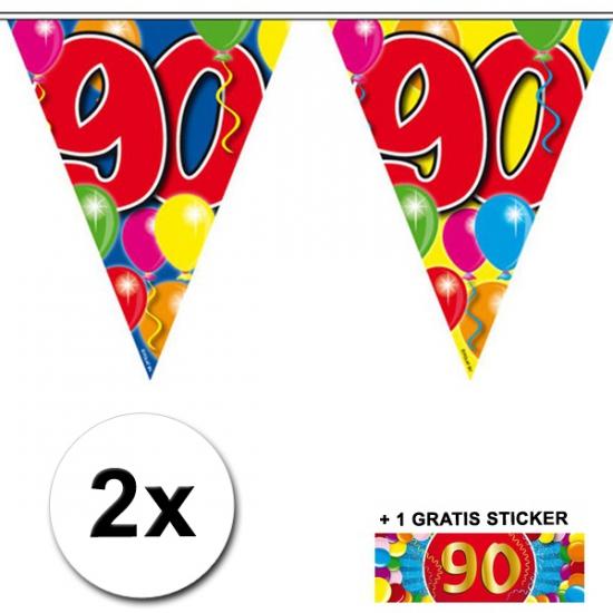 90 jaar vlaggenlijnen 2x met gratis sticker (bron: Oranjediscounter)