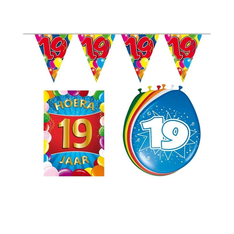 19 jaar geworden feestartikelen voordeel pakket