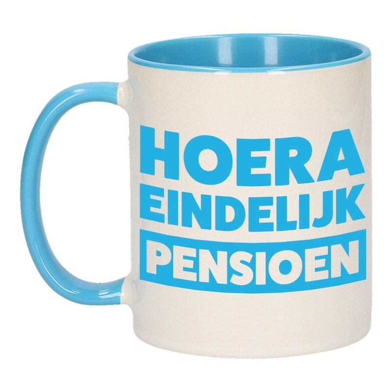 Blauwe pensioen VUT cadeau mok / beker - hoera eindelijk pensioen 300 ml