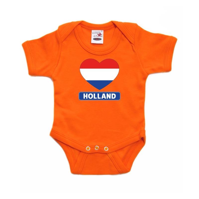 Oranje rompertje met hollandse vlag in hart voor baby's. dit oranje rompertje heeft 3 nikkelvrije drukkertjes ...