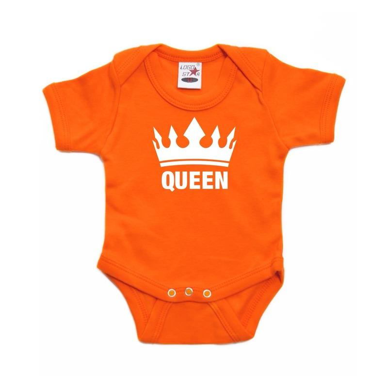 Oranje koningsdag romperje met kroon en de tekst queen. dit oranje rompertje heeft 3 nikkelvrije drukkertjes ...