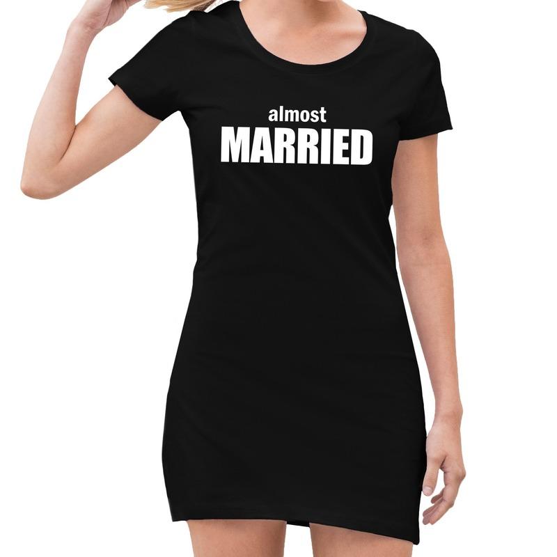 Vrijgezellenfeest jurkje almost married zwart