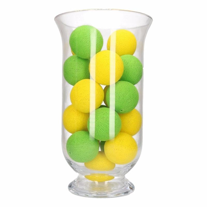 Woondecoratie geel-groene verlichting in vaas