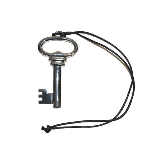 Zilveren sleutel aan ketting